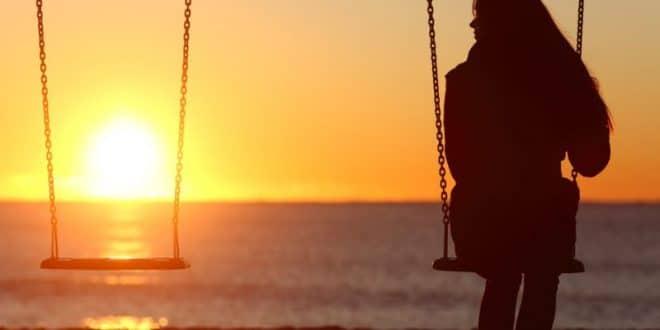 Ο λόγος που στον έρωτα επαναλαμβάνουμε το μοτίβο των σχέσεων με τους γονείς μας